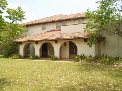 1975 spanish mission stucco home for sale offered by for Mission stucco